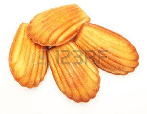 25159621-madeleine-cookie-sur-blanc
