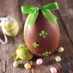 37761822-oeufs-de-p-ques-en-chocolat